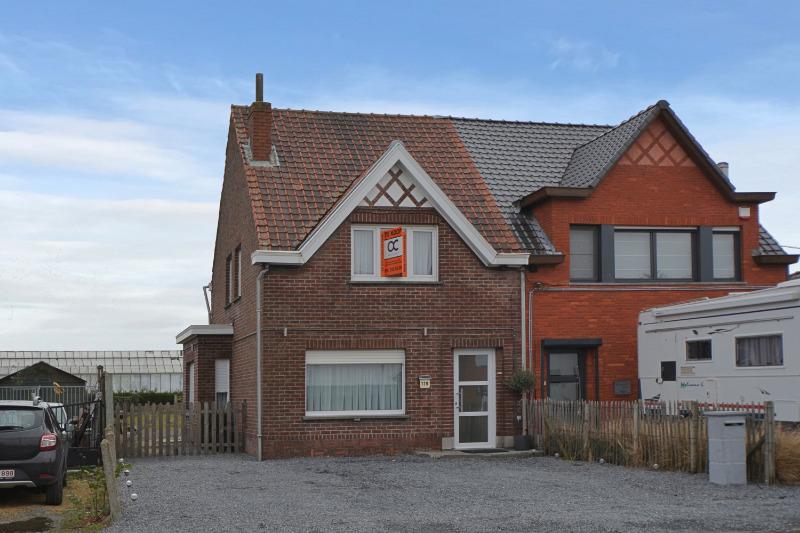 Gerenoveerde, instapklare woning met tuin te Evergem