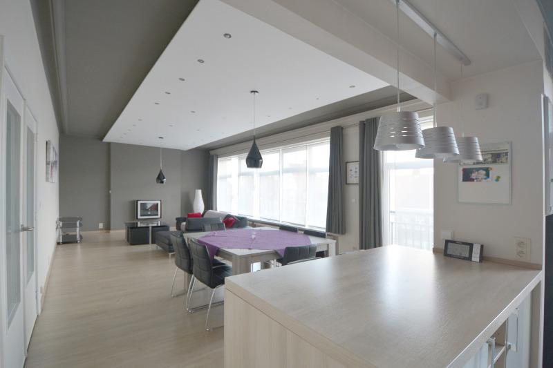 Zeer aangenaam twee slaapkamer appartement nabij 't Zand, centrum Brugge.