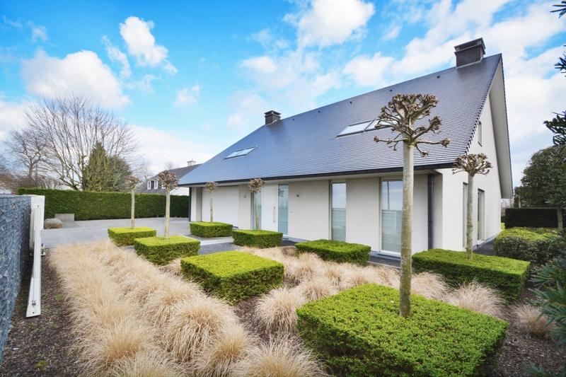 Exclusieve design villa (459m²) met landelijk vergezicht