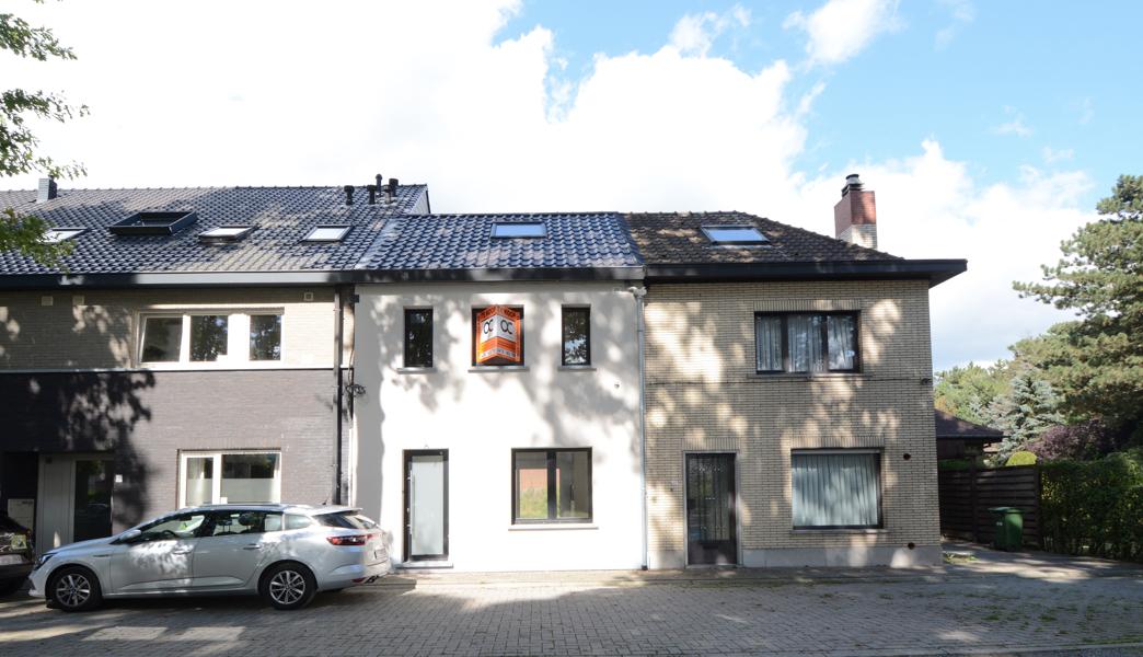 Volledig nieuw gerenoveerde woning op uitstekende ligging in Wetteren.