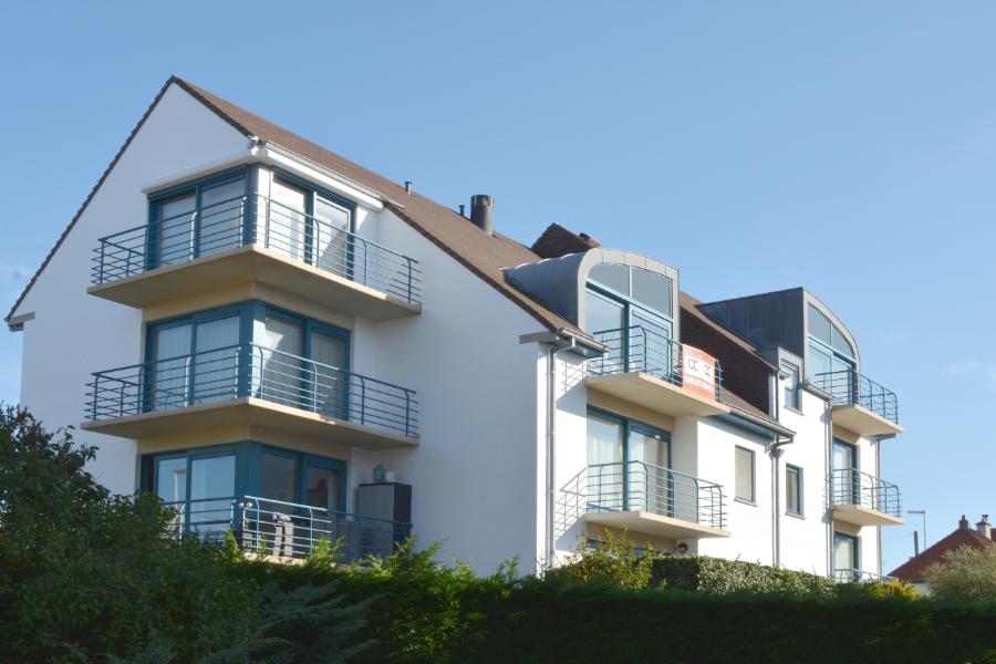 Perfect onderhouden tweeslaapkamer appartement op zeer gunstige ligging te Koksijde.