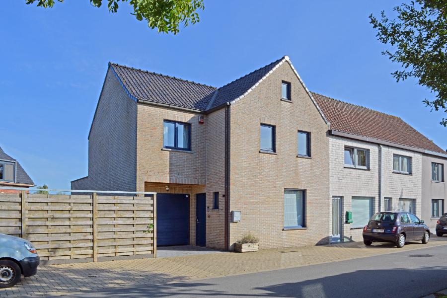 Energiezuinige en instapklare woning op strategische locatie nabij Brugge-Oostkamp-Beernem