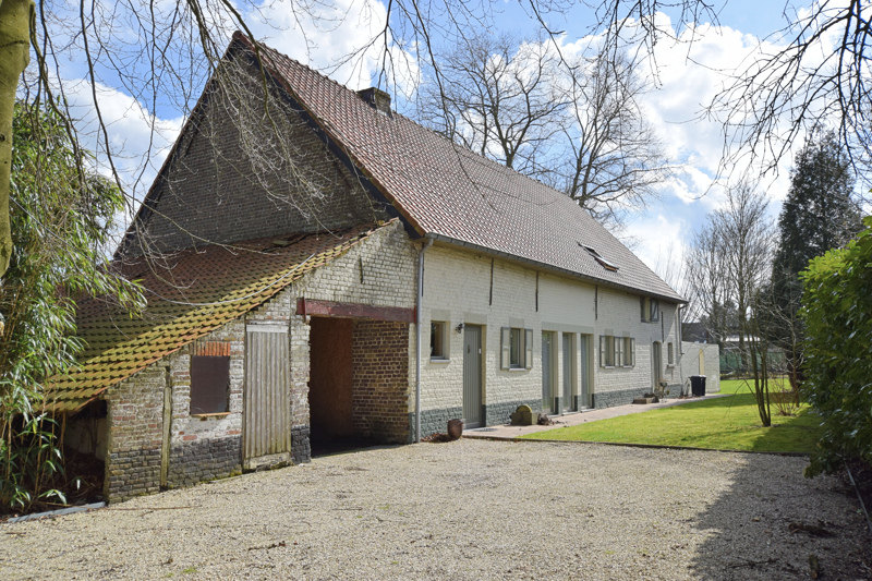 Gerenoveerde, charmante woning in hoevestijl in Balgerhoeke, deelgemeente van Eeklo