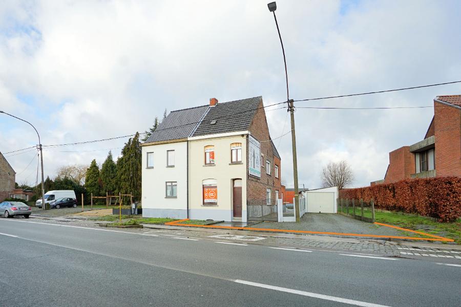 HOB met garage op de grens Zottegem/Balegem