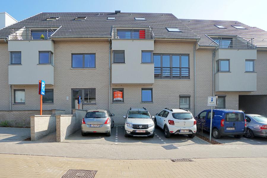 Recent gelijkvloers appartement met tuintje in Balegem
