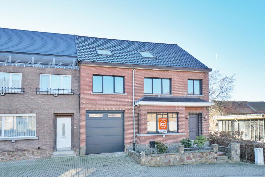 Instapklare woning met uitstekende ligging en topafwerking!
