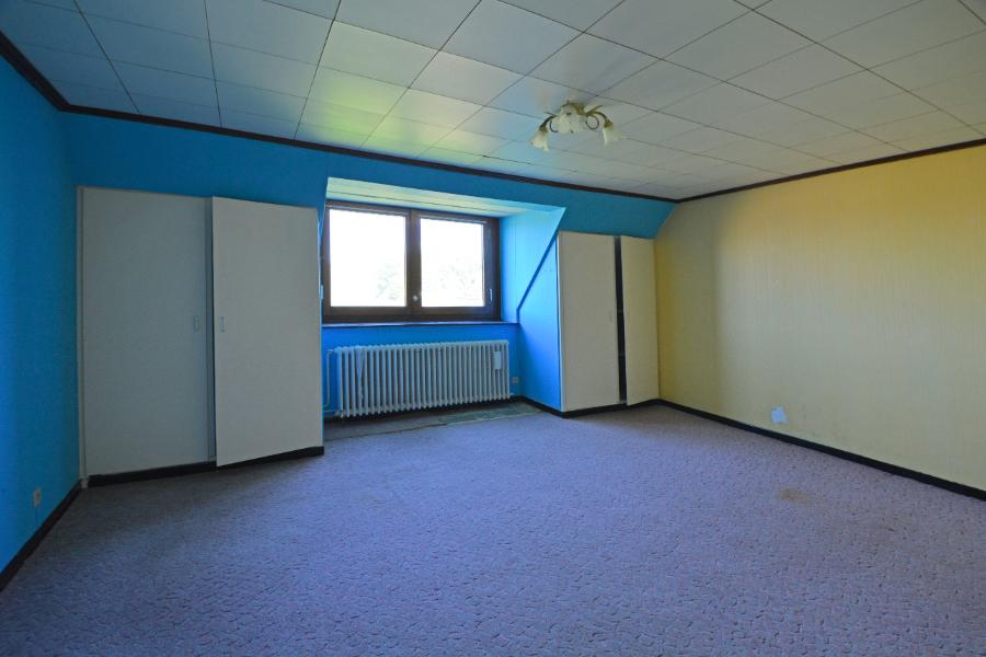 Rusting gelegen half open bebouwing met 3 slaapkamers op 805 m2.