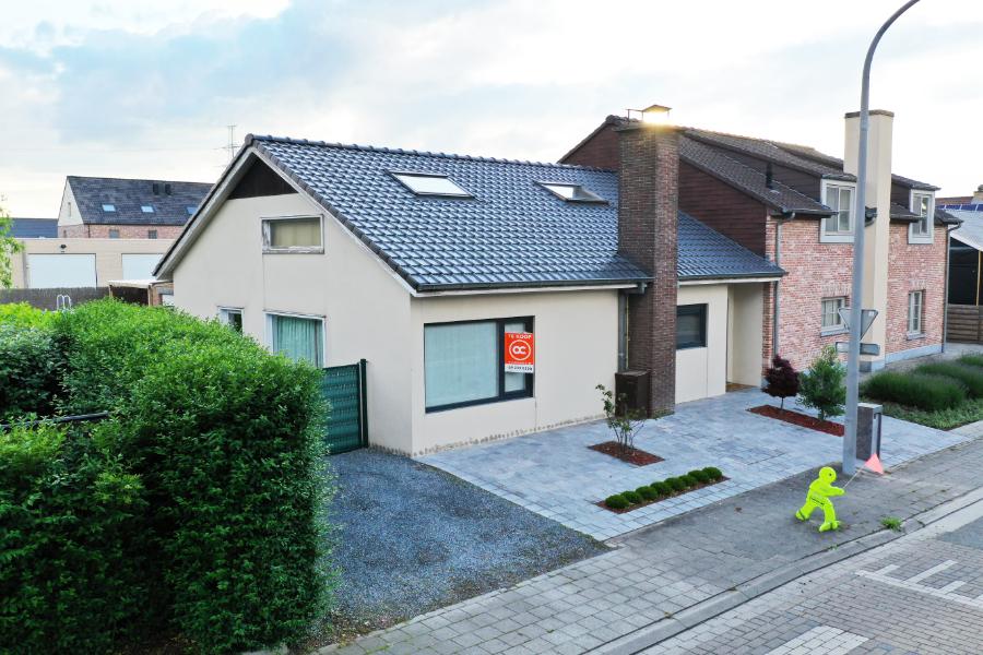 Zeer charmante instapklare lichtrijke woning te koop!