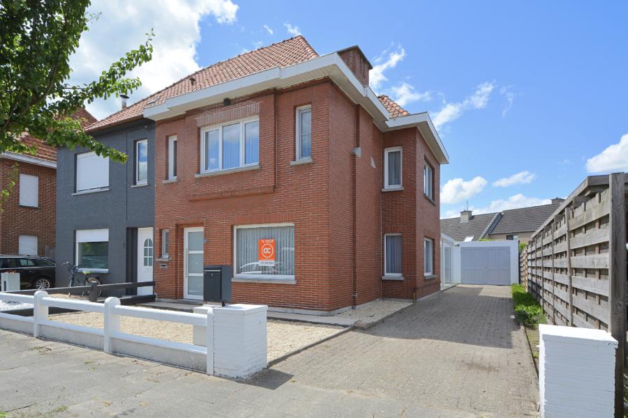 Instapklare woning met garage en tuin in rustige omgeving