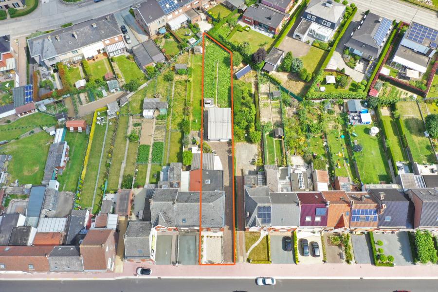 Halfopen bebouwing met garage en tuin, nabij centrum Zottegem