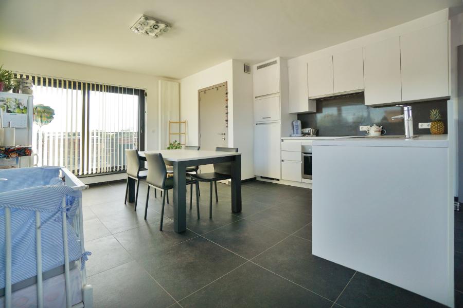 Recent nieuwbouwappartement met 2 terrassen, autostaanplaats en garagebox