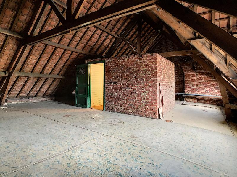 Stevige, ruime woning met 4 slpks en tuintje, centraal gelegen