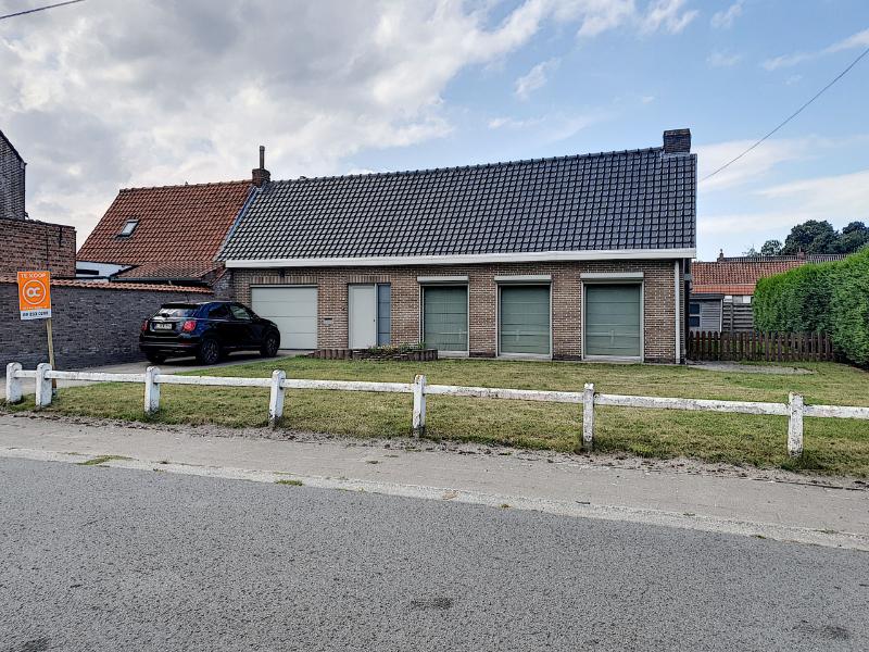Gerenoveerde gezinswoning met 3 ruime slaapkamers met aangename tuin!