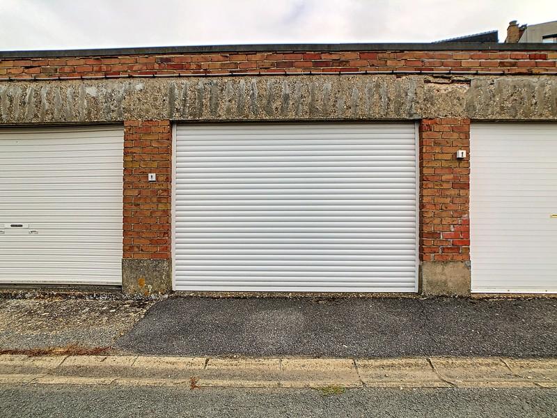 Ruim gelijkvloersapp. (108m²) met garage te Bevegem