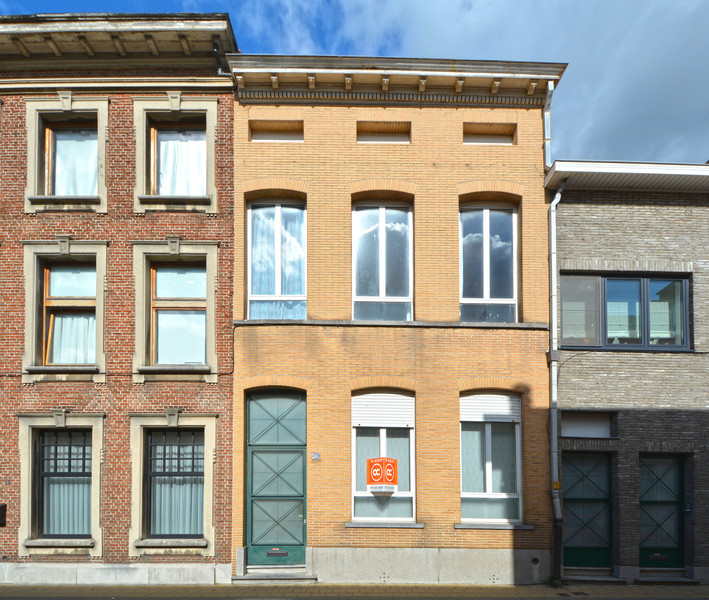 Verkocht - compromis in opmaak - Herenhuis met grote tuin in centrum Sint-Niklaas