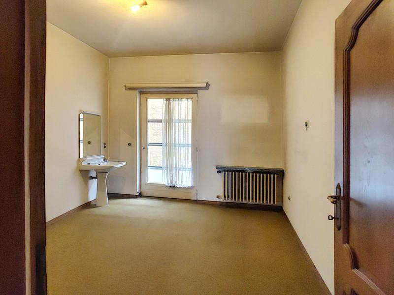 Te renoveren appartement op toplocatie!