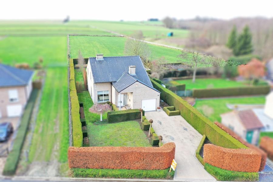 Luxueuze en ruime villa met weiland (+/- 5.000 m²) op rustige ligging