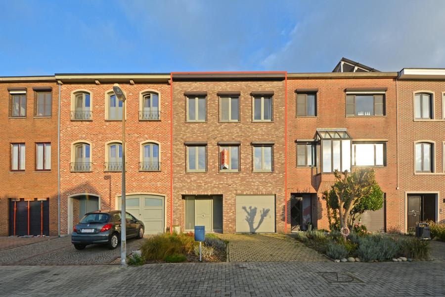 Ruime en lichtrijke bel-étage in rustige woonwijk