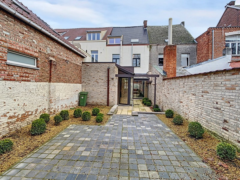 Stadswoning met zonnige tuin in centrum Sint-Gillis-Dendermonde