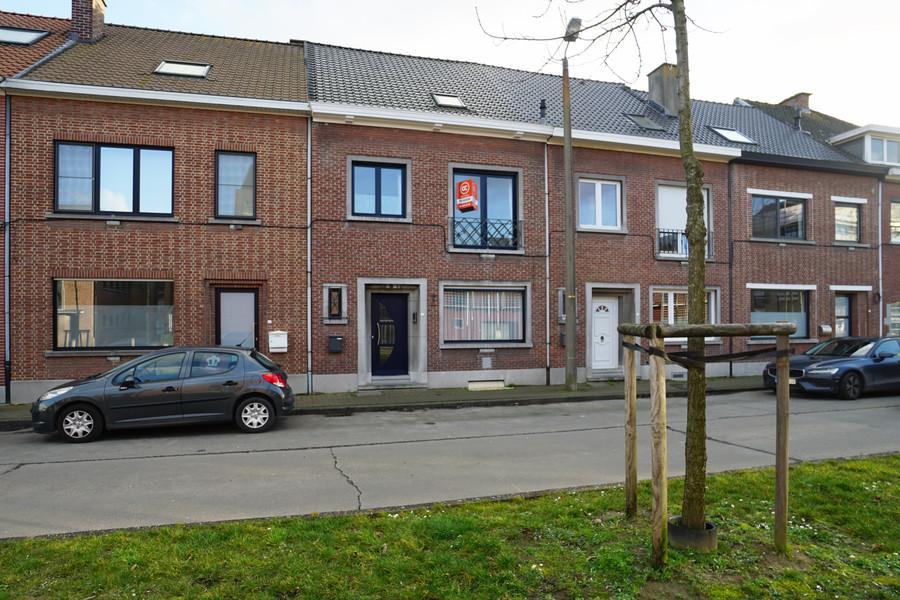 Centraal gelegen gezinswoning met 3 kamers te Zottegem