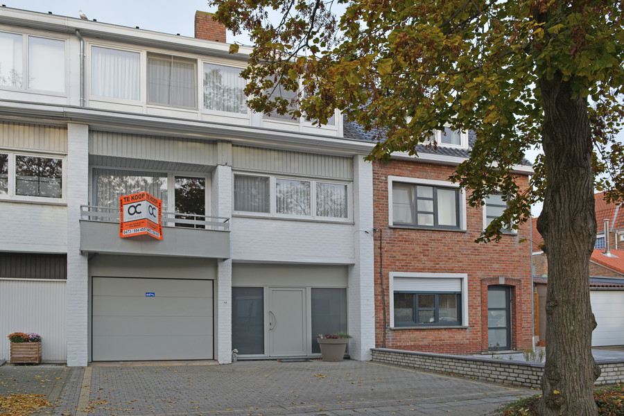Gunstig gelegen bel-etage met garage en ruim terras te Brugge