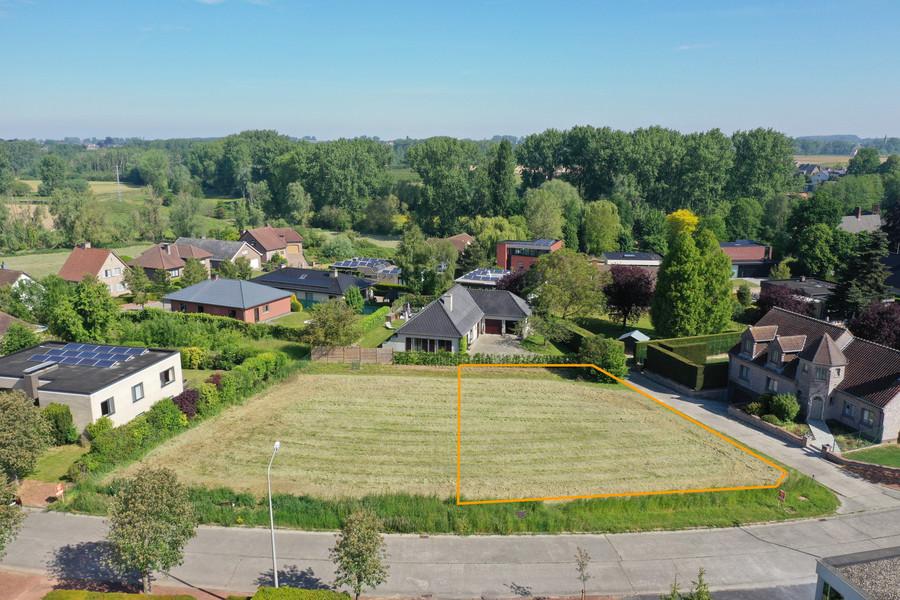Bouwgrond voor open bebouwing op wandelafstand centrum Zottegem