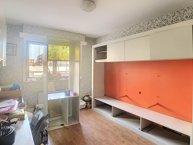 Lichtrijk 3 slpk appartement op de markt van de Panne