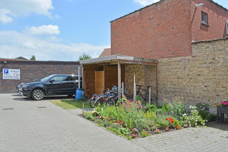 Tweeslaapkamer appartement met autostaanplaats te Brugge.