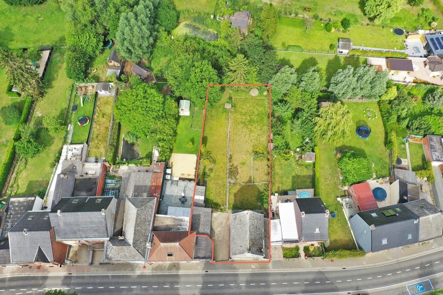 Bouwgrond van 933m² voor HOB, centraal gelegen te Oombergen