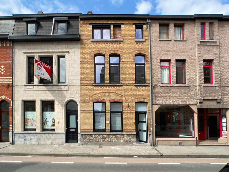 Volledig gerenoveerde woning aan de Stationswijk