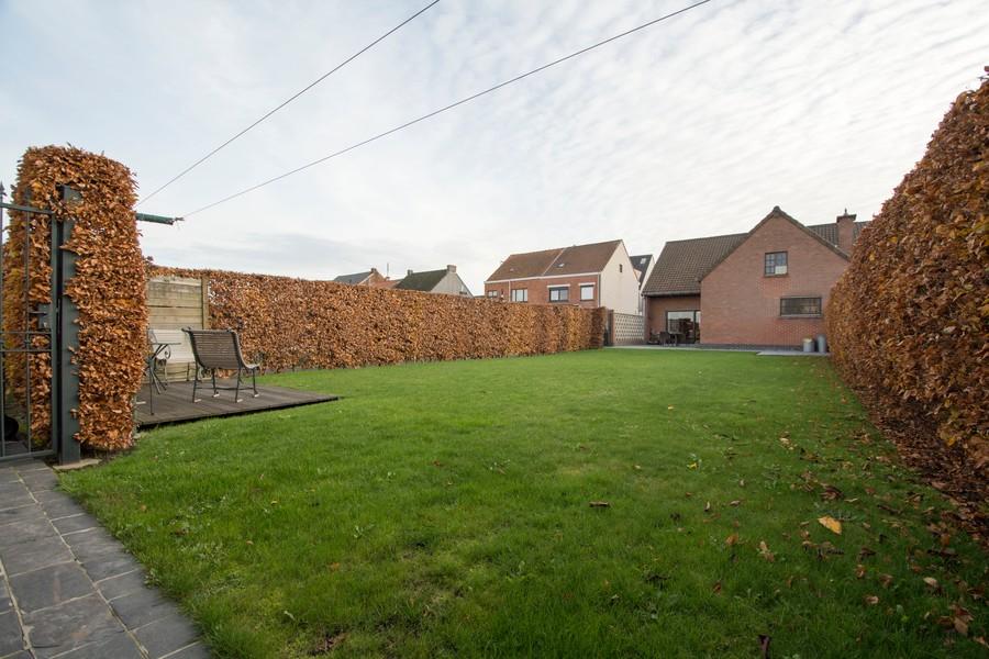Woning met tuin en dubbele garage te centrum Appels!