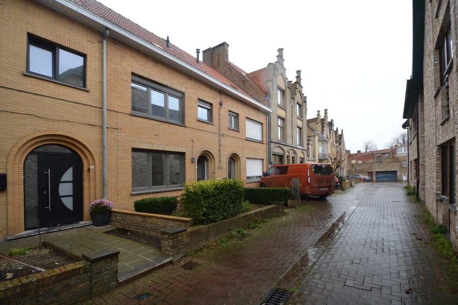 Rustig gelegen woning centrum Veurne met 3 slpks