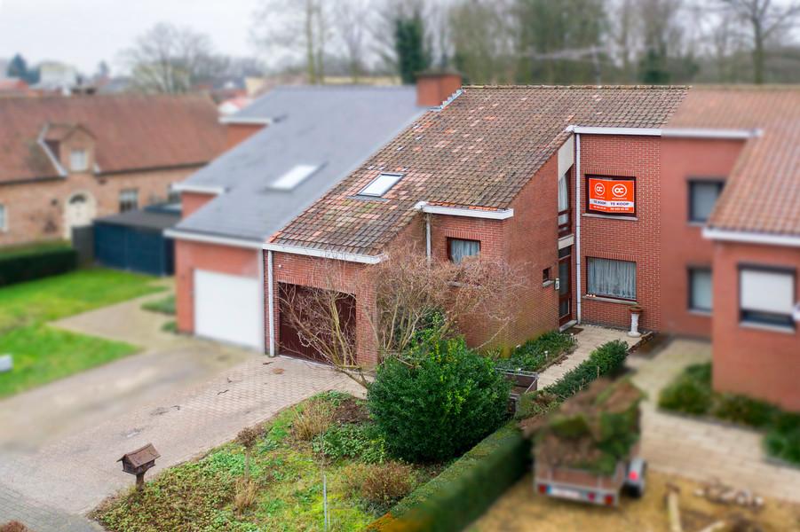 Op te frissen woning met garage op een topligging