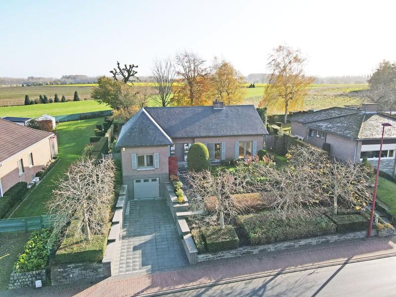 Luxueuze villa met parktuin, goed gelegen te Scheldewindeke