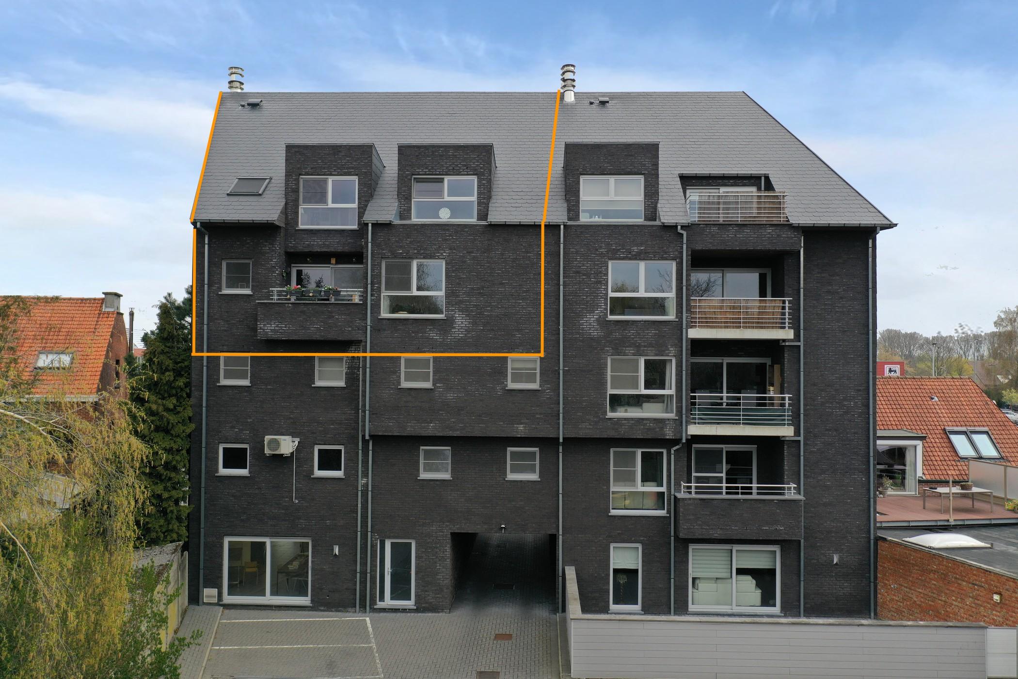 Ruim duplex-appartement op zeer centrale ligging!