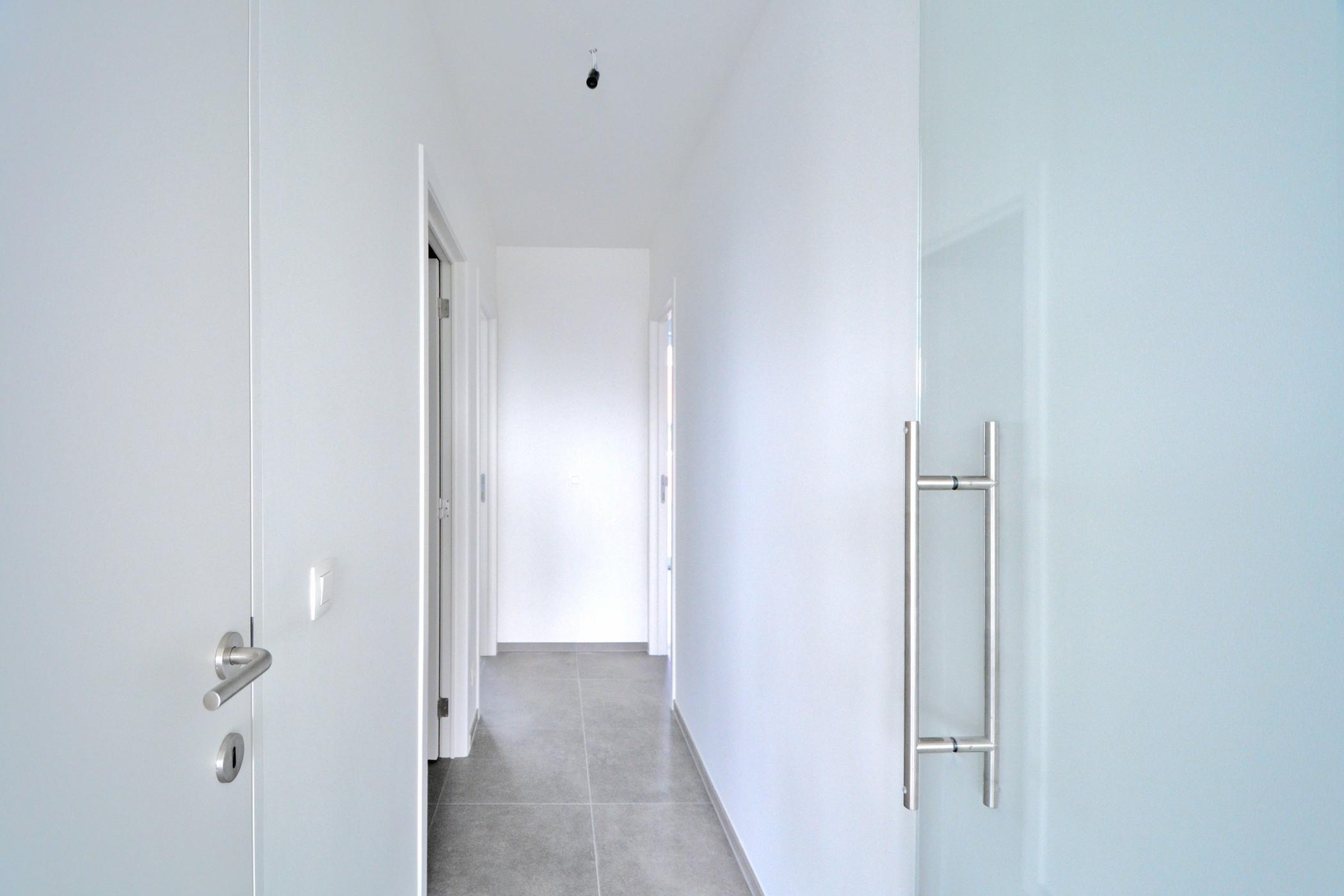 Prachtig, goed gelegen en geschilderd 2-slaapkamerappartement -  - NS-034 Residentie Roosevelt 1.4CCC