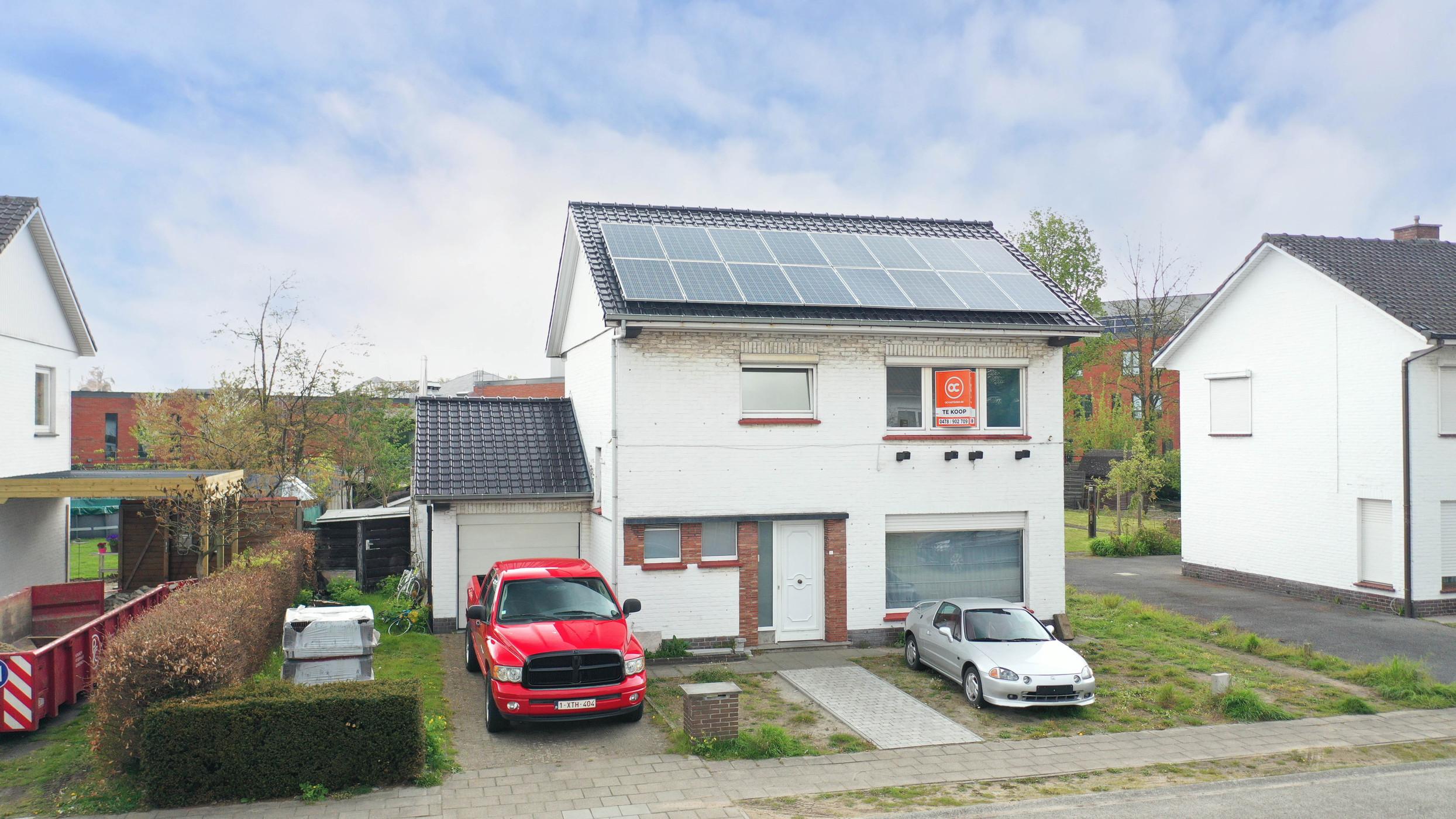 Open bebouwing met 3 slaapkamers en tuin in rustige wijk te Zelzate te koop.