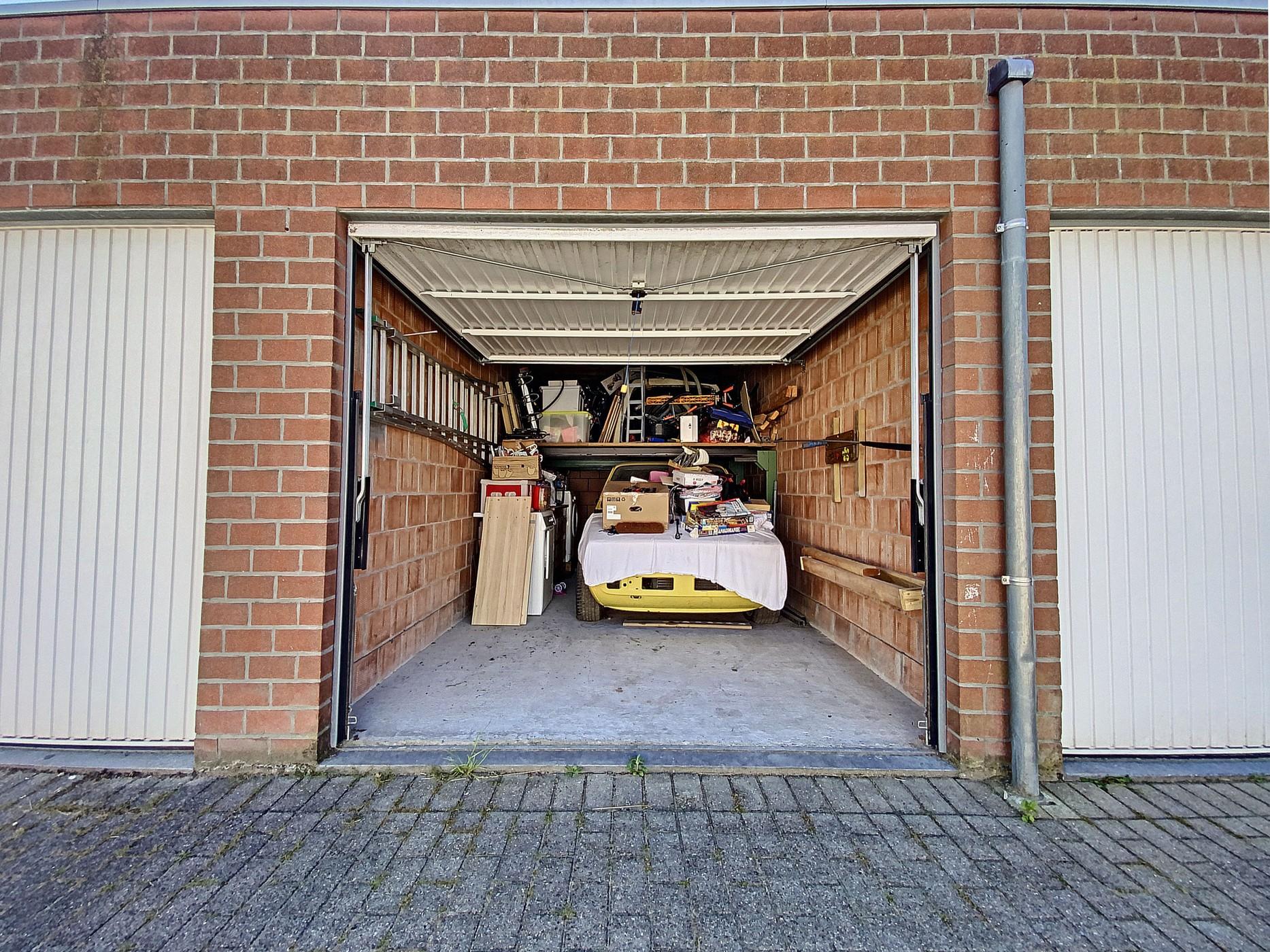 Gezellige rijwoning te Wondelgem met garagebox!