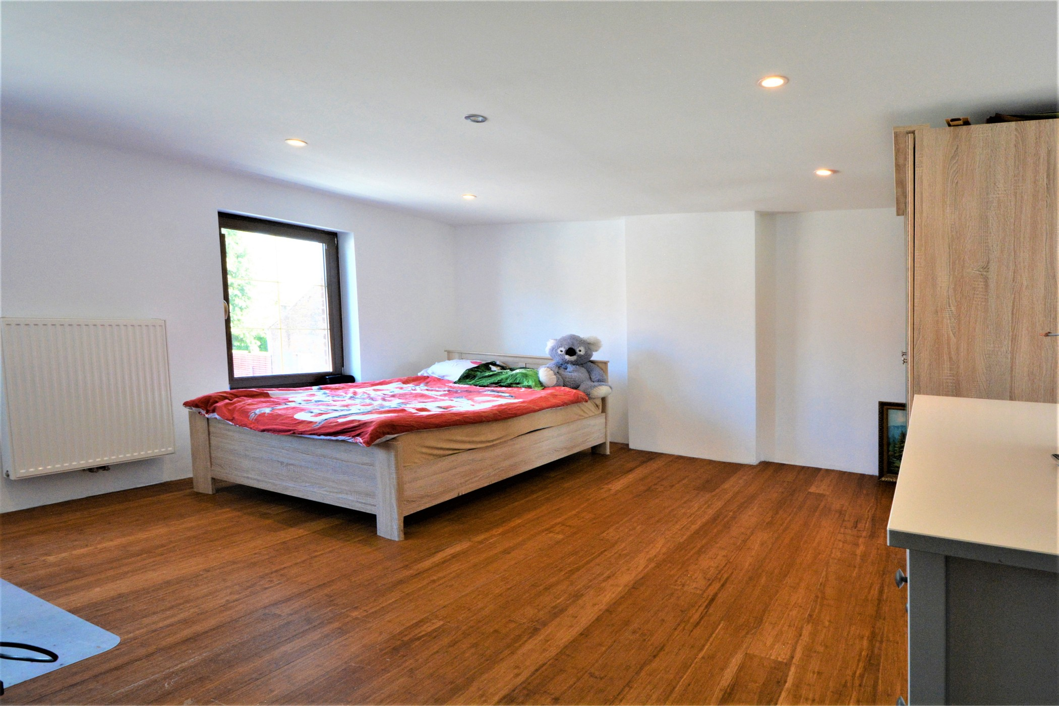 Ruime gezinswoning met polyvalente ruimte op toplocatie