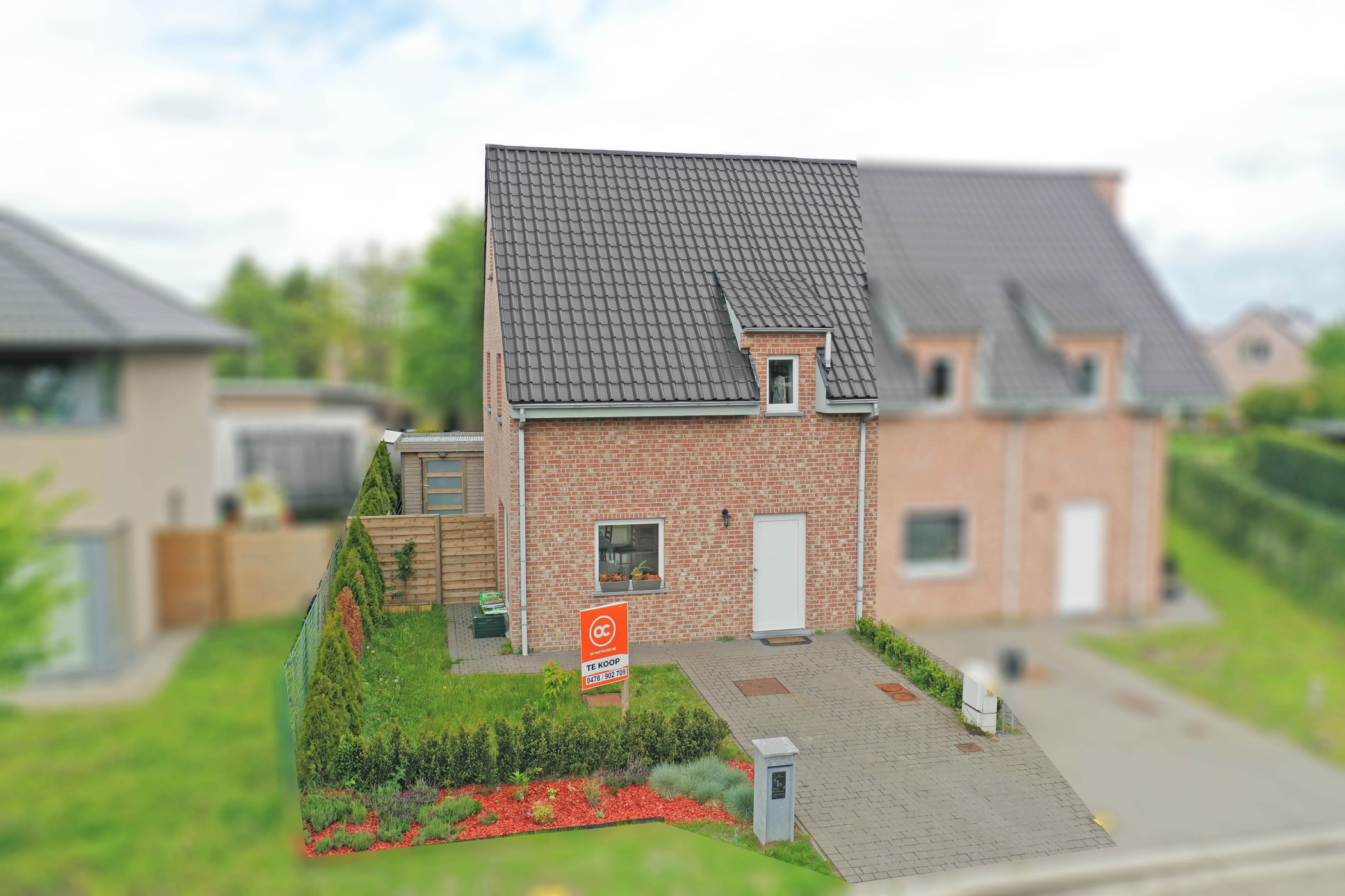 Nieuwbouwwoning met 3 slaapkamers in rustige woonwijk te Evergem te koop.