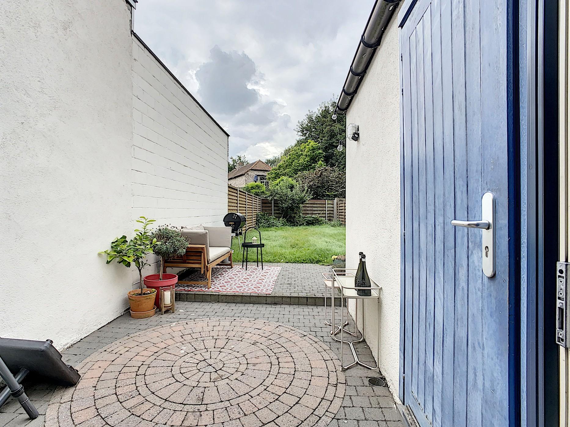 Instapklare lichtrijke woning met tuin op topligging!