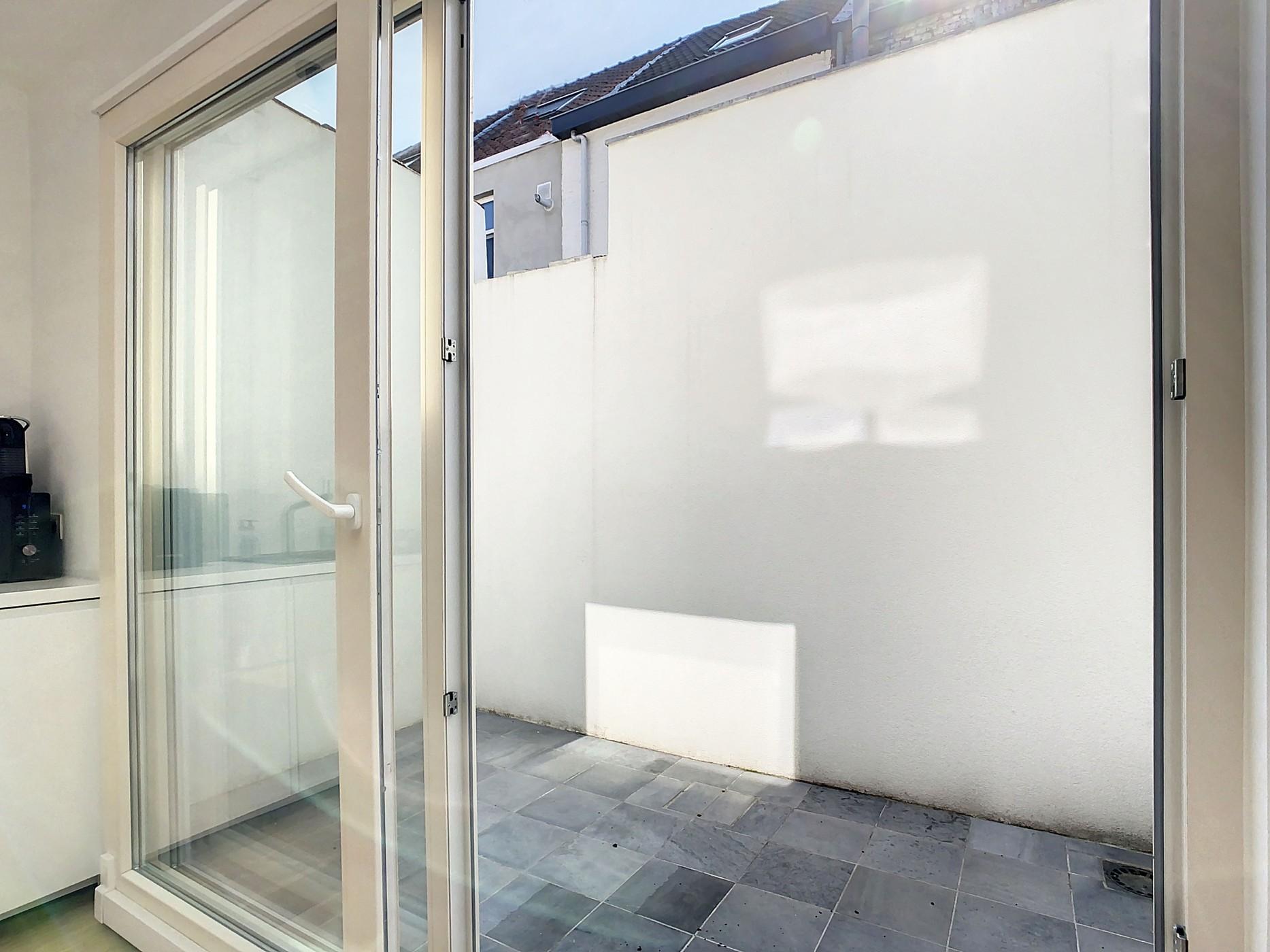 Recent gerenoveerde woning met koer op topligging!