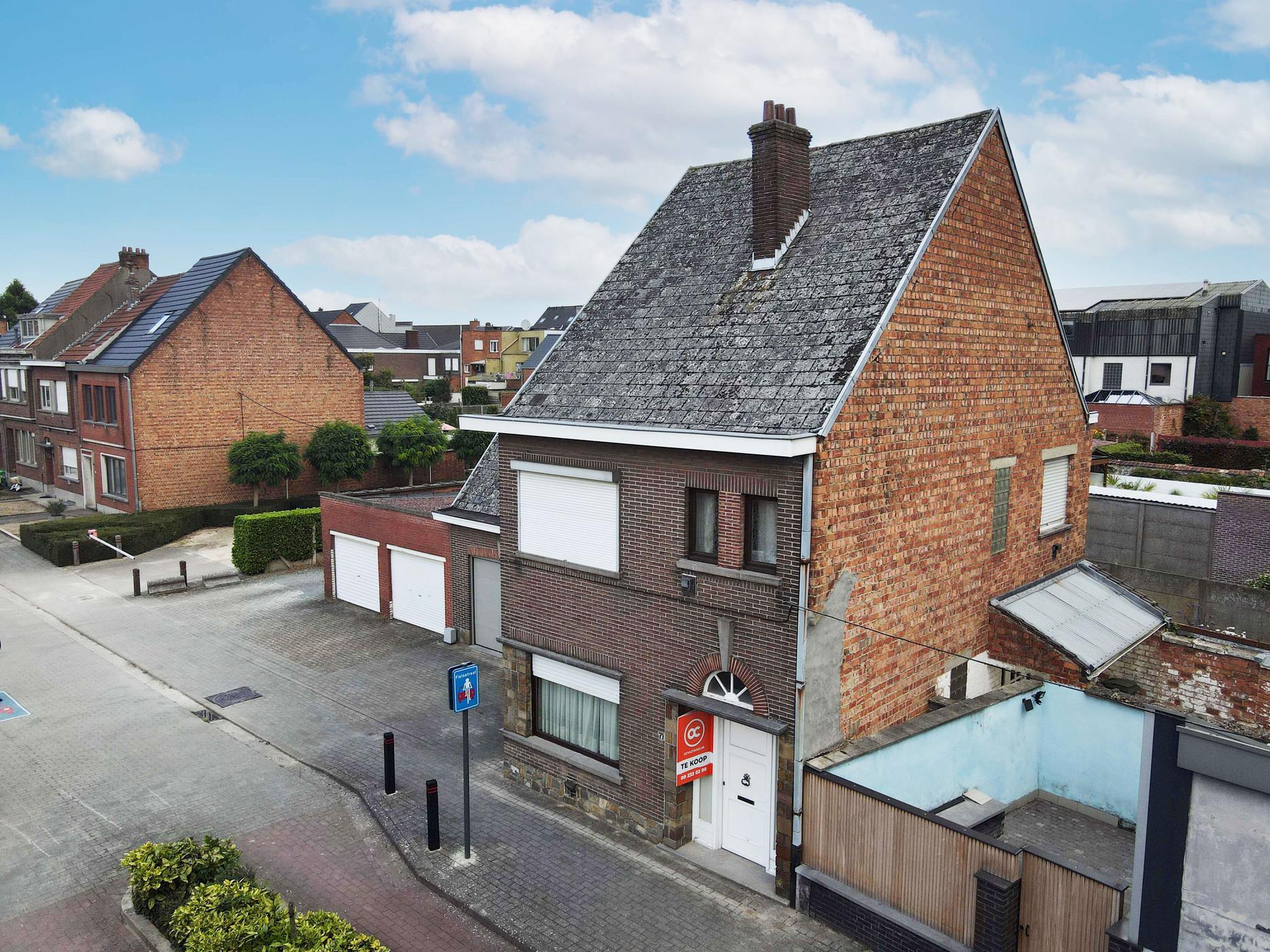 Te renoveren woning op goede ligging te Wetteren