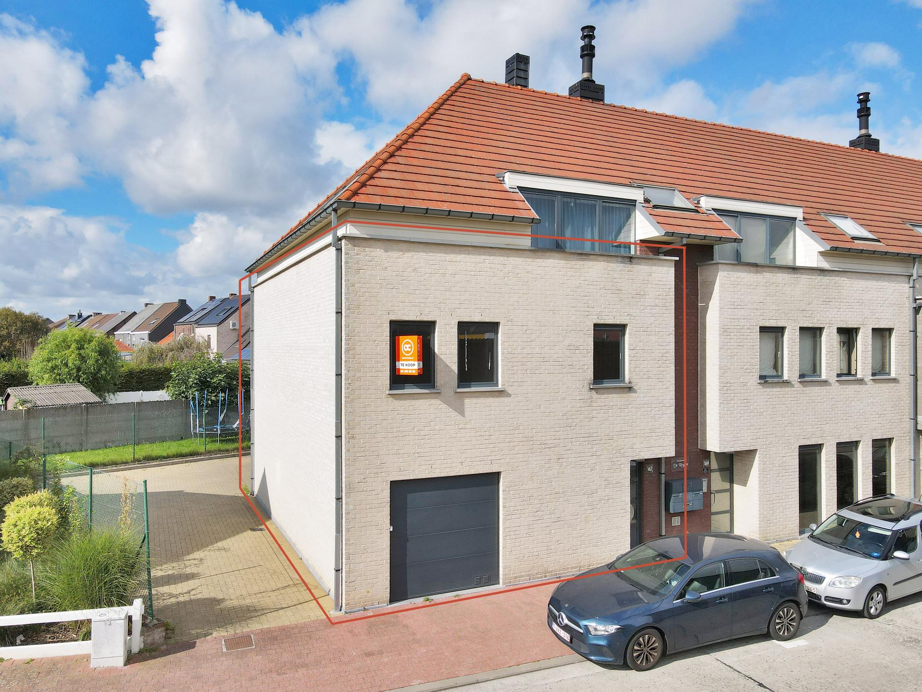 Ruim, instapklaar appartement met garage te Denderleeuw